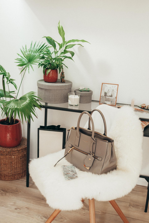Bureau Make-Over Lifestyle by Linda