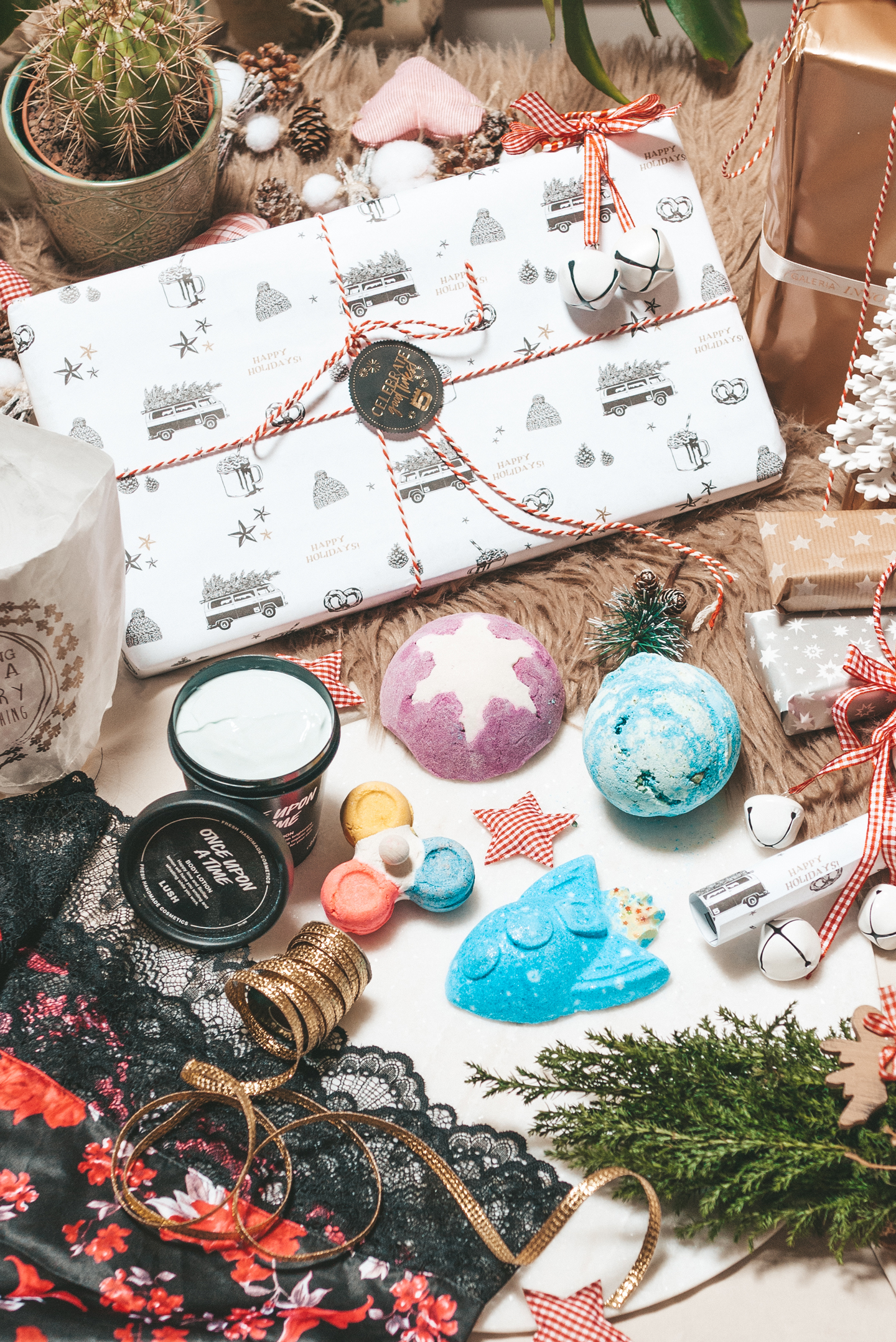 Last minute christmas gifts Lush